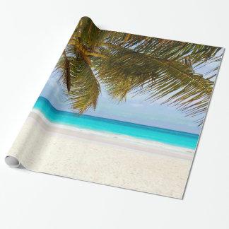 Papel De Presente Palmeiras no mar & no céu azuis da praia