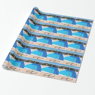 Papel De Presente Piscina azul com etapas no mar