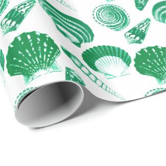Papel De Presente Seashells - verde esmeralda em um fundo branco