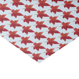 Papel De Seda Céu e bordo vermelho das folhas da queda