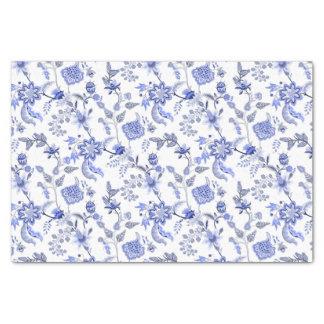 Papel De Seda Chintz floral azul antigo elegante no branco