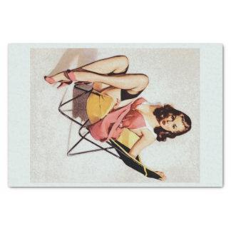 Papel De Seda Pin do vintage acima da menina na cadeira