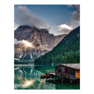 Papel Timbrado Cabine italiana da montanha da beira do lago