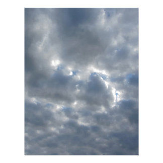 Papel Timbrado Céu morno com as nuvens de cúmulo-nimbo dos