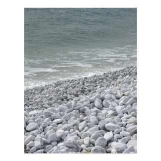 Papel Timbrado Litoral da praia em um dia nebuloso no verão
