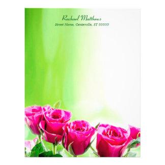 Papel Timbrado Rosas cor-de-rosa fúcsia na luz - fundo verde