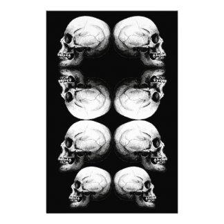 Papelaria A obscuridade avançada do perfil do crânio protege