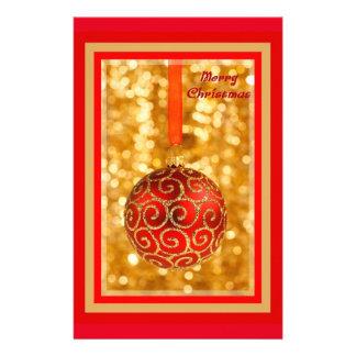Papelaria Bauble do Feliz Natal no ouro