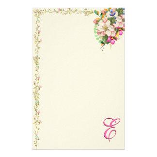 Papelaria Buquê floral do monograma de E