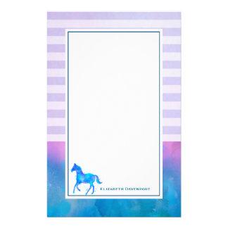 Papelaria Cavalo azul da aguarela em listras horizontais