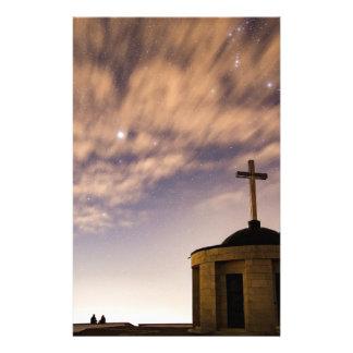 Papelaria céu estrelado, igreja e cruz