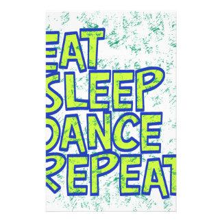 Papelaria coma a repetição da dança do sono