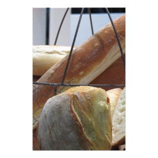 Papelaria Composição com tipos diferentes de pão cozido