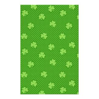 Papelaria Dia verde de Patricks do santo do teste padrão do