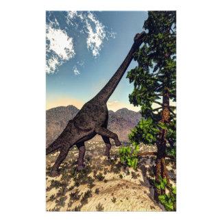 Papelaria Dinossauro do Brachiosaurus que come o pinho do