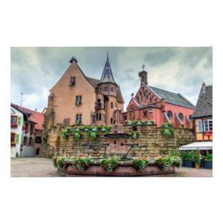 Papelaria Fonte de Santo-Leon em Eguisheim, Alsácia, France