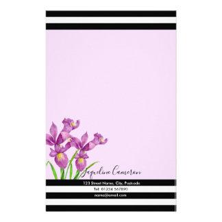 Papelaria Ilustração botânica da íris roxa da aguarela