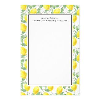 Papelaria Limões amarelos com teste padrão verde das folhas