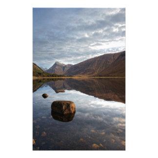 Papelaria Loch Etive. Glencoe nas montanhas escocesas