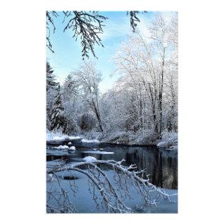 Papelaria Manhã Sun no rio coberto de neve de Sheepscot