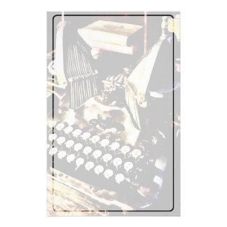 Papelaria Máquina de escrever antiga Oliver #9