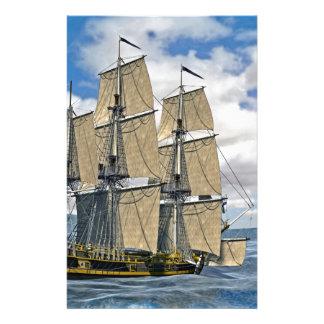 Papelaria Navigação preta do navio de Corveta em um dia