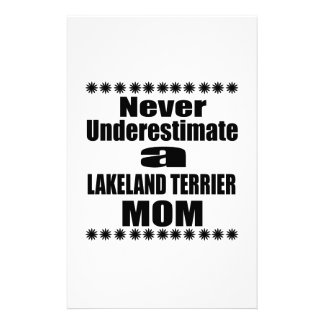 Papelaria Nunca subestime a mamã de LAKELAND TERRIER
