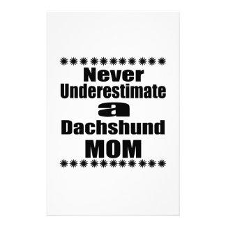 Papelaria Nunca subestime a mamã do Dachshund