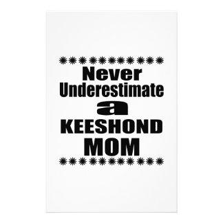 Papelaria Nunca subestime a mamã do KEESHOND