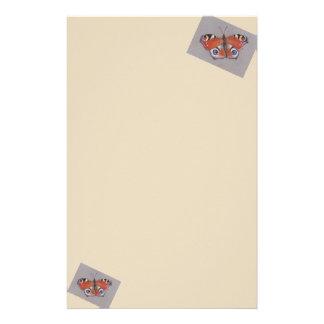 Papelaria Papel de carta com design da borboleta de pavão