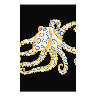 Papelaria Polvo azul do anel no preto
