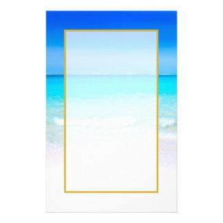 Papelaria Praia tropical com um mar de turquesa