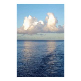 Papelaria Reflexões da nuvem do Seascape do amanhecer