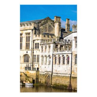 Papelaria Rio Ouse da capela da cidade de York