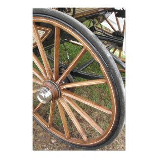 Papelaria Rodas traseiras da carruagem antiquado do cavalo