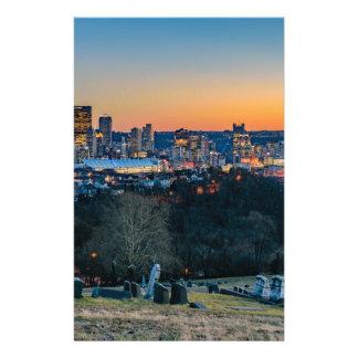 Papelaria Skyline de Pittsburgh no por do sol