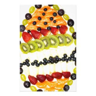 Papelaria Torta dada forma ovo da fruta com várias frutas