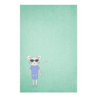 Papelaria Verde legal com o rato bonito no roxo