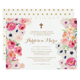 Papoilas brancas e convite cor-de-rosa do baptismo