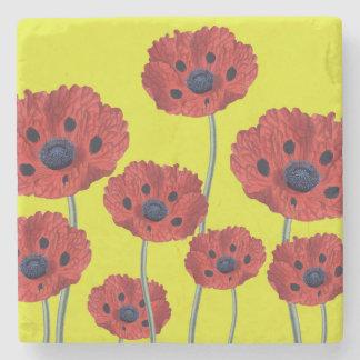 Papoilas vermelhas no amarelo porta-copos de pedra