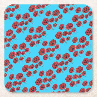 Papoilas vermelhas no azul porta-copo de papel quadrado