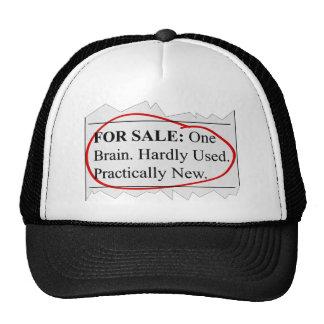Para a venda: Um cérebro Bonés
