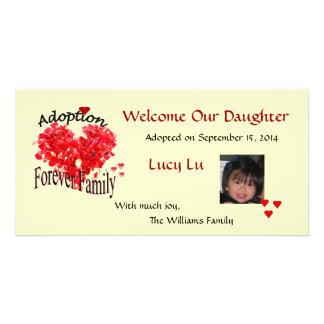 Para sempre anúncio da adopção da foto de família cartão com foto