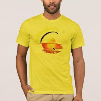 PARAGLIDING SETTING SUN pontocentral Camisetas
