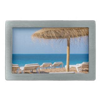 Parasol de vime com praia beds.JPG