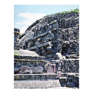 Parede do templo de Quetzlcoatl em ruínas de Teoti Modelo De Panfleto