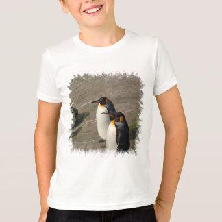 Pares do t-shirt das crianças dos pinguins camiseta