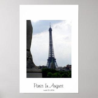 Paris em agosto pôster