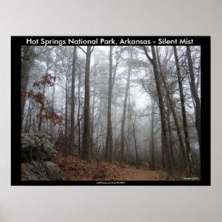 Parque nacional de Hot Springs, AR - névoa silenci Poster