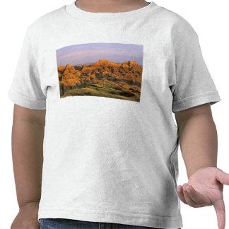 Parque nacional do ermo em South Dakota Tshirts